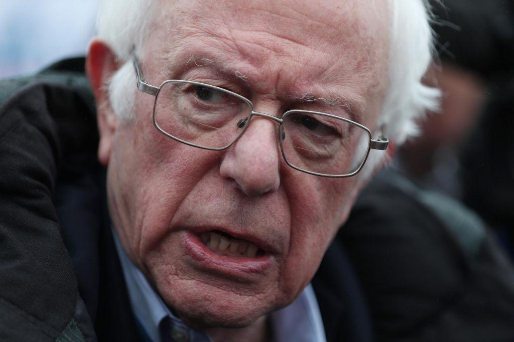 FOTO:Bernie Sanders zmagal med demokrati v New Hampshiru