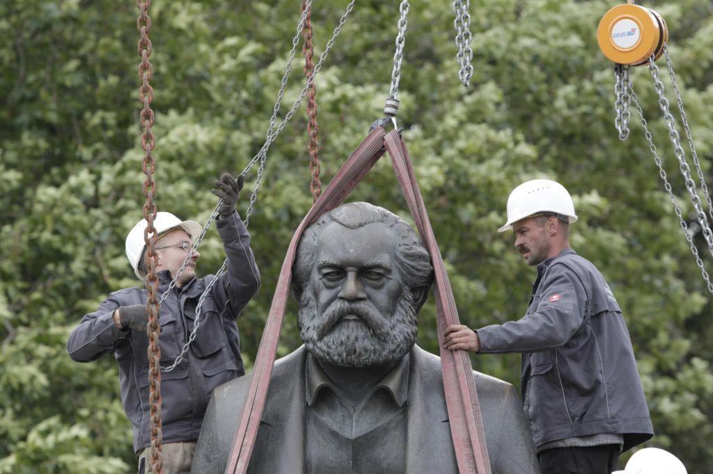 Le kaj bi vprašal Karl Marx?