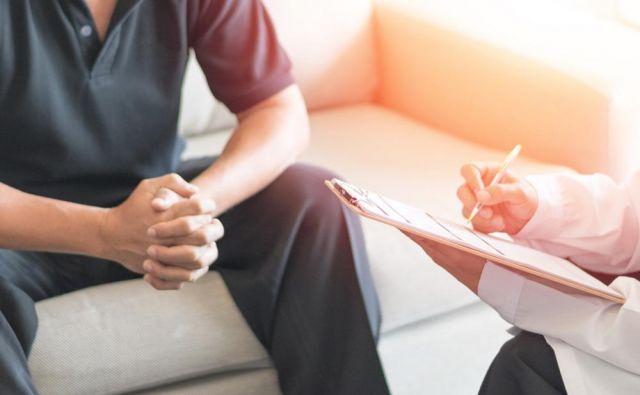 Če ima bolnik dobro psihološko podporo že na začetku bolezni, je velikokrat laže tudi v fazi, ki jo imenujemo zadnje obdobje življenja, takrat ko gre bolezen kljub vsem zdravstvenim ukrepom svojo pot ...Foto: Shutterstock