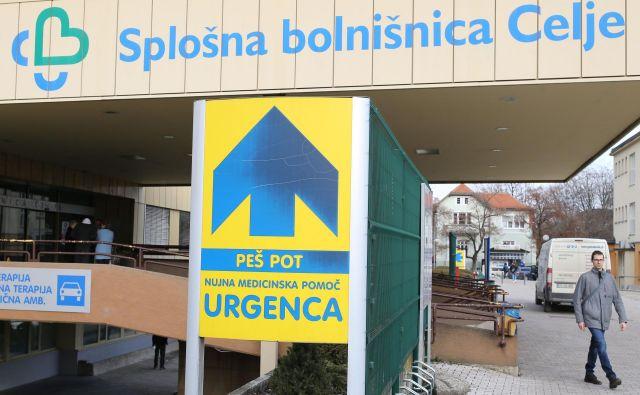 Splošna bolnišnica Celje še ni dobila odločbe vlade o zavrnitvi pritožbe, dobili pa so že račun, da morajo vrniti dobrih 900.000 evrov. Račun ima novembrski datum. FOTO: Tomi Lombar/Delo