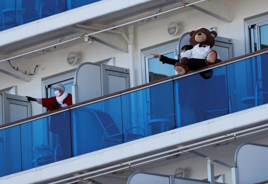 FOTO:Ljudje z ladje