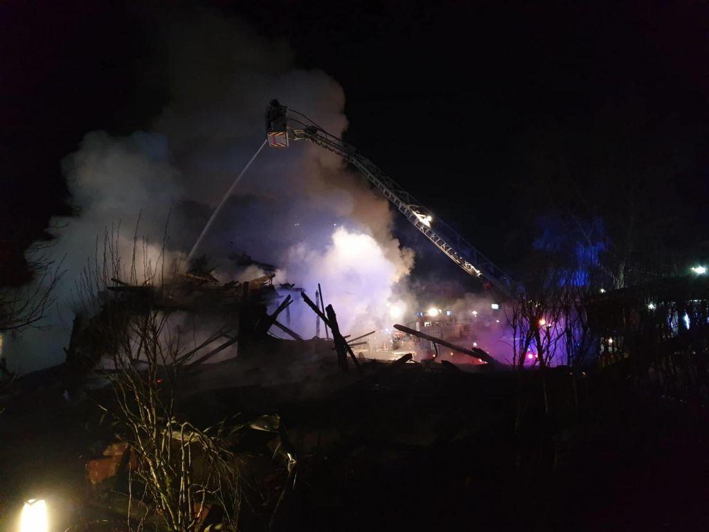 Policija zaradi požara ovadila dva osumljenca