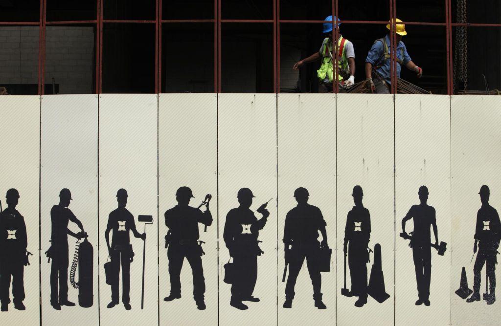 FOTO:Izpolnitveni pomočniki, nov trik v javnem naročanju?