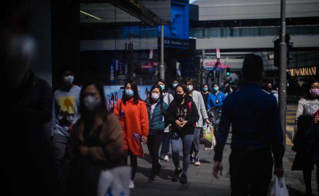 Skupno število okuženih je zdaj naraslo na 60.000. FOTO: Anthony Wallace/AFP