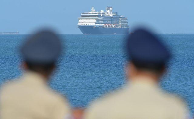 Križarko so pred tem zavrnili Tajvan, Guam, Filipini in Japonska. FOTO: Tang Chhin Sothy/AFP