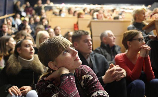 Tako na srednjih kot na visokih šolah so mnenja, da bodoči dijaki in študenti na informativnih dneh sprašujejo premalo. FOTO: Tomi Lombar