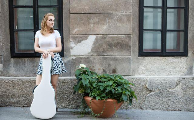 Karmen o Weimarju: »Mesto diha svojo zgodovino. Še vedno ne morem verjeti, da sta tu skoraj deset let živela Bach in Liszt, tu sta ustvarjala Goethe, Schiller … Vse to se čuti v ozračju mesta.« FOTO: Mirjam Čančer