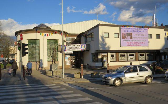 Športno dvorano v Litiji, ki je v lasti MSL, ogreva koncesionar Istrabenz plini. FOTO: Bojan Rajšek/Delo