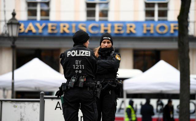 Varnostno konferenco so v bavarski prestolnici spremljali tudi izredni varnostni ukrepi.FOTO: Reuters