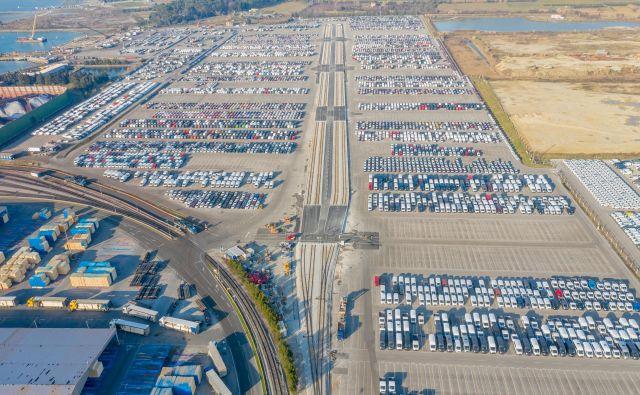 Nova skupina tirov bo olajšala pretovor avtomobilov. Foto Kristjan Stojaković