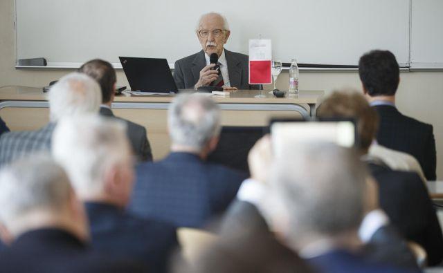 Dr. Franca Gorogranca jev uvodnem nagovoru pozdravil dekan prof. dr. Mitjan Kalin, njegovo življenjsko pot je predstavil prof. Tomaž Pepelnjak, predavanje iz področja, ki ga je raziskoval Gorogranc, pa je podal prof. dr. Mathias Liewald. Foto Željko Stevanić