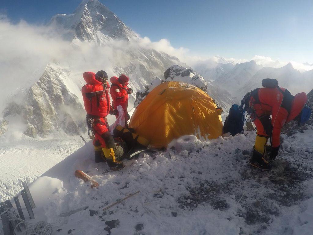 FOTO:Komercialna odprava na K2 pustila grenak priokus