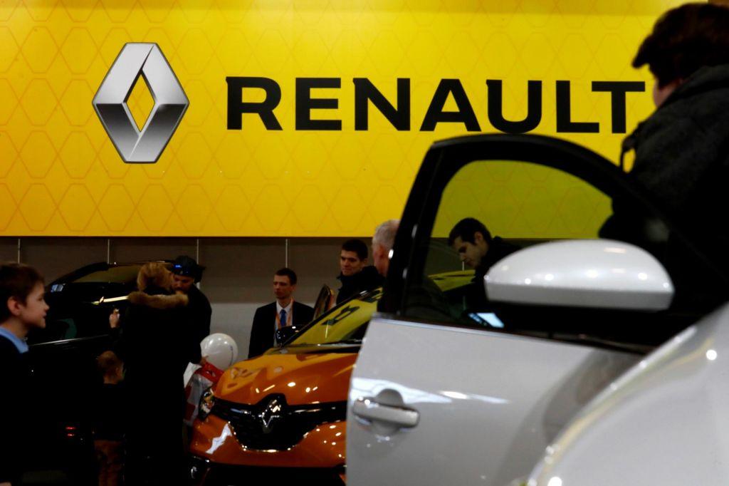 Renault: Težji pogoji poslovanja, manj naročil in zmanjševanje števila zaposlenih v Revozu