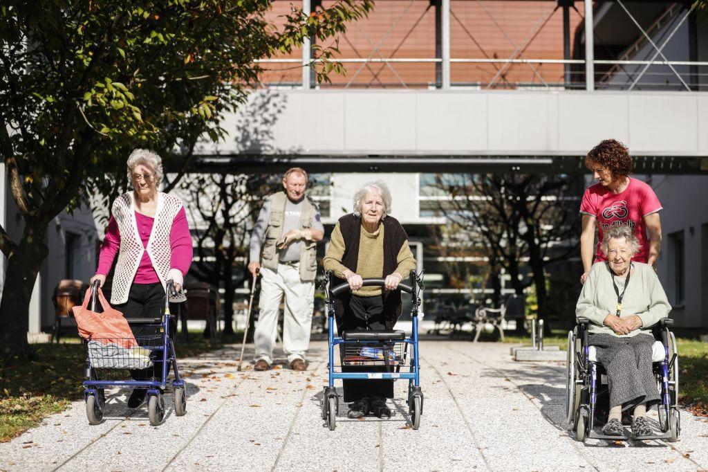 FOTO:Oskrbnine se zvišujejo, a po mnenju domov premalo