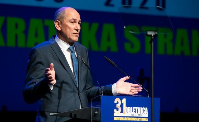 Janša je svoj govor zaključil z besedami, da so vrata SDS vedno »vsem odprta«. FOTO: Aleš Cipot/Sobotainfo