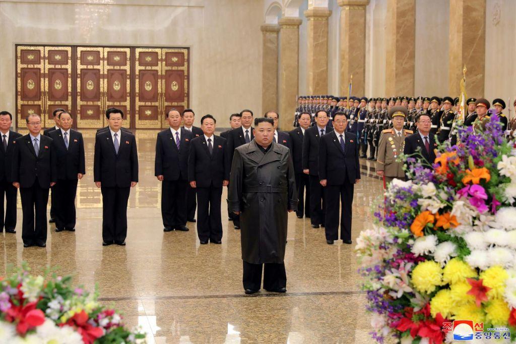 Severna Koreja prekinila ves promet s Kitajsko in zaprla mejo