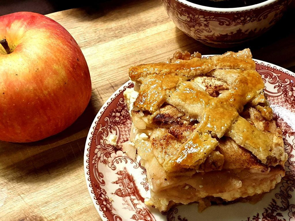 FOTO:Jabolčna pita s skuto