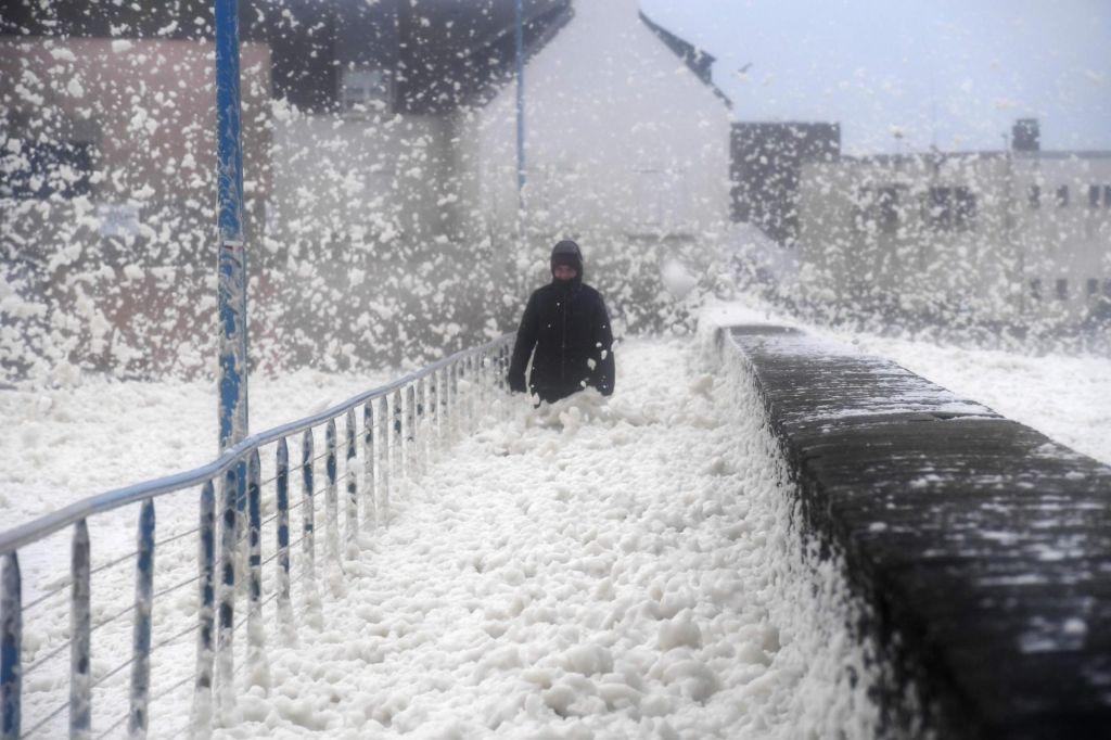 Na otoku hude poplave zaradi nevihte Dennis