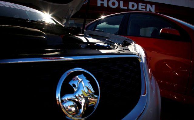 Holdnova znamka z levom je bila nekoč ikonična avtomobilska znamka v Avstraliji, sedaj pa bo izginila. FOTO: David Gray/ Reuters