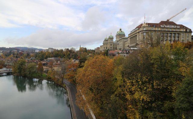 Reka Aare daje mestu prepoznavno podobo. FOTO: Milan Ilić