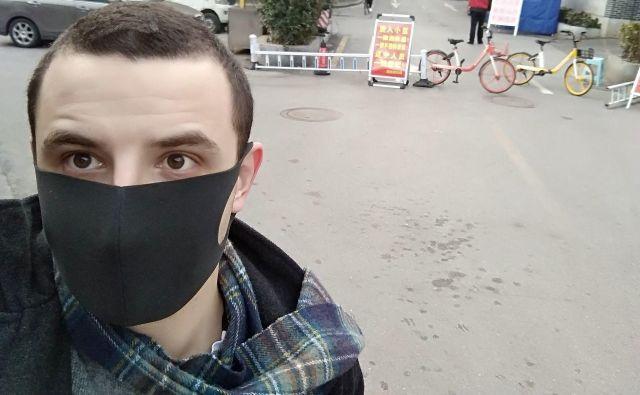 Študent Ruben Franko kljub nevarnosti vztraja na Kitajskem. FOTO: Ruben Franko