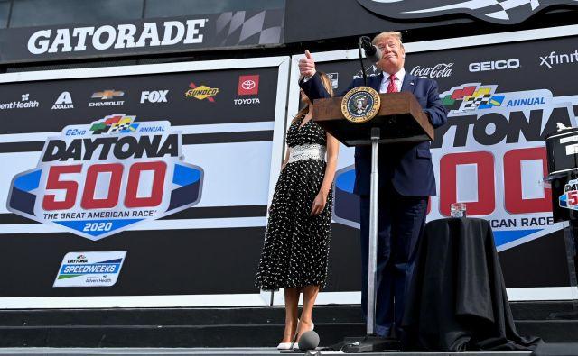 Nagovor predsednika pred začetkom dirke. FOTO: Erin Scott/Reuters