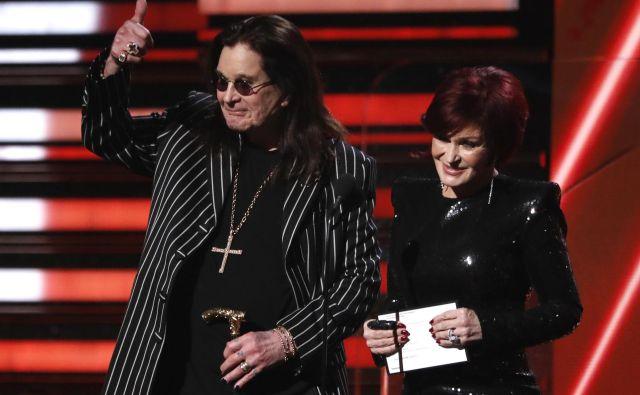 Ozzy in SharonOsbourne (še kot rdečelaska) na podelitvi grammyjev FOTO: Mario Anzuoni/Reuters