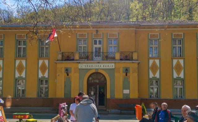 V Vranjski Banji, dobro poznani tudi Slovencem, izvira voda s temperaturo med 63 in 92 stopinjami Celzija. Foto Milena Zupanič