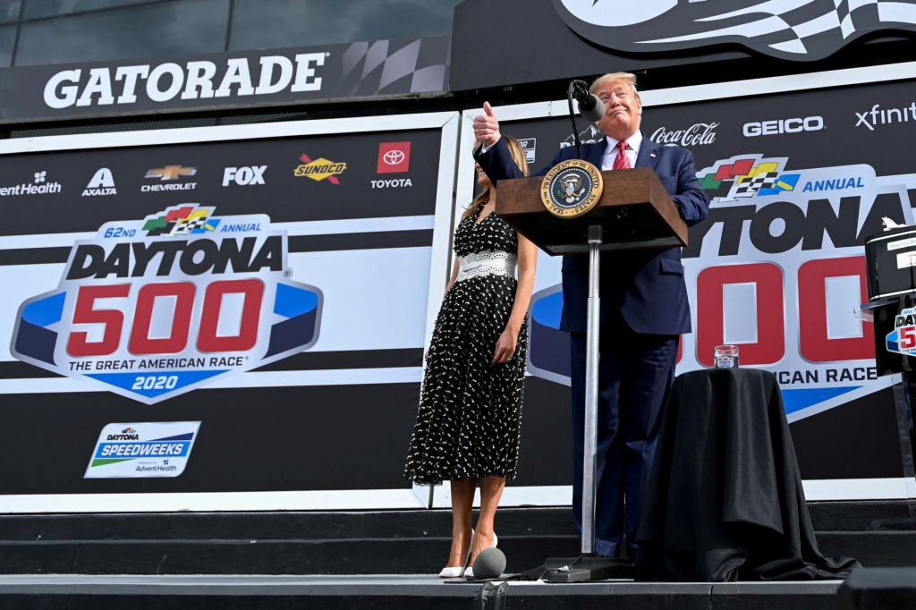 FOTO:Trump nastopaško odprl dirko Daytona 500 za glasove na Floridi