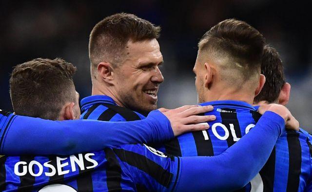 Kranjčan se je veselil golov skupaj s soigralci pri Atalanti. FOTO: AFP