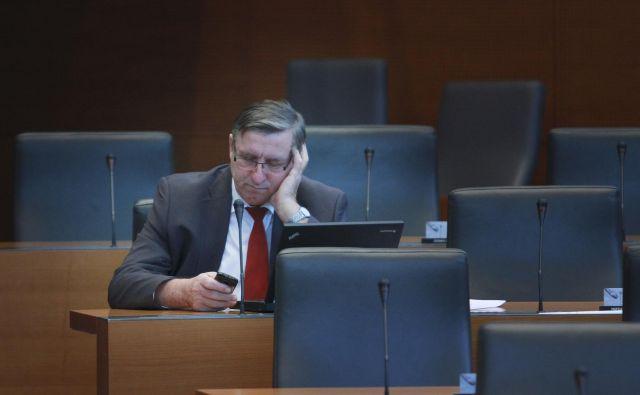 Jožef Jerovšek v svojih poslanskih časih. Foto Jože Suhadolnik / Delo