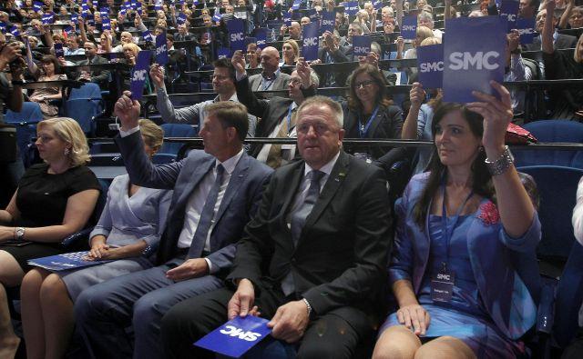 Zdravko Počivalšek je po prihodu na vrh stranke septembra lani začel znova tesneje sodelovati z nekaterimi ljudmi, ki so imeli v preteklosti ključno vlogo, na primer Aleksandrom Kešeljevićem, Anušo Gaši in Violeto Bulc. FOTO: Mavric Pivk