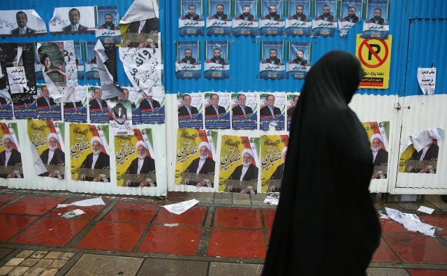 Glavni razlog za nedvomno zmago konservativnega tabora je dejstvo, da številni podporniki reformistov za svoje kandidate ne bodo mogli glasovati. Foto: Reuters