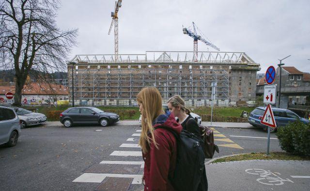 Za pogodbeno financiranje so občine združevale stavbe v skupine. FOTO: Jože Suhadolnik/Delo