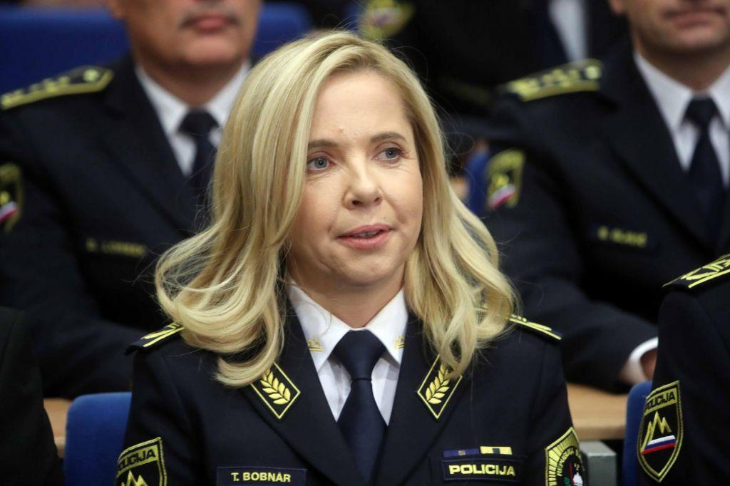 Bobnarjeva: Policija vodi predkazenski postopek zoper osebe izven policije