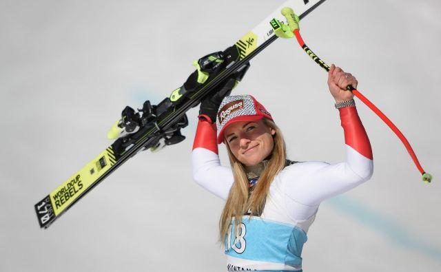 Lara Gut-Behrami se je na domačem snegu razveselila zmage. FOTO: AFP