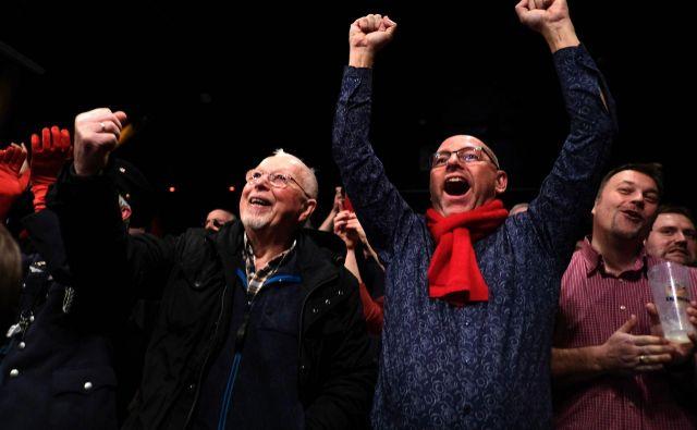 Veselje med privrženci SPD po zmagi v Hamburgu.Foto: Patrik Stollarz/Afp