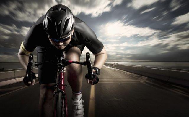 Pazite, da se ne približate preveč, in vedno bodite pozorni na to, ali kolesar pred vami ve, da vas »ima na zadnjem kolesu«.Foto: Shutterstock