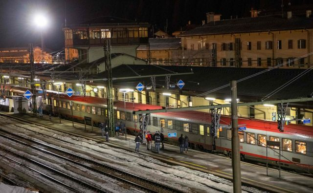 V Avstriji se pojavlja celo ideja o ponovni uvedbi nadzora na meji z Italijo. FOTO: Johann Groder/AFP