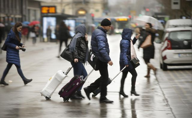 Turizem je lahko trajnostna gospodarska panoga samo, če temelji tako na tujem kot na domačem gostu, predvsem pa na samozavestnem in zadovoljnem gostitelju. FOTO: Jure Eržen/Delo