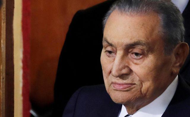 Hosni Mubarak je Egiptu predsedoval kar trideset let. FOTO: Amr Abdallah Dalsh/Reuters