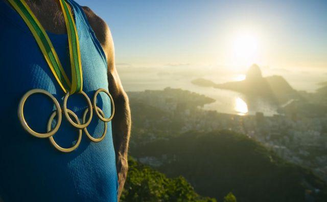 Zaradi skrbi za zdravje športnikov so Mednarodni olimpijski komite in posamezne mednarodne športne zveze že odpovedali ali prestavili številne športne dogodke. FOTO: Shutterstock