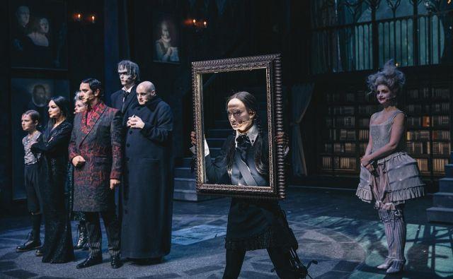 Uvodna predstava festivala v Celju bodo <em>Addamsovi</em> v režiji Aleksandra Popovskega. Foto Peter Giodani