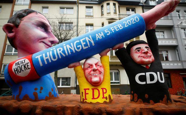 Na skrajno desno Alternativo za Nemčijo (AfD) so po napadu v Hanauu deževale obtožbe o spodbujanju nasilnih dejanj. Foto Reuters