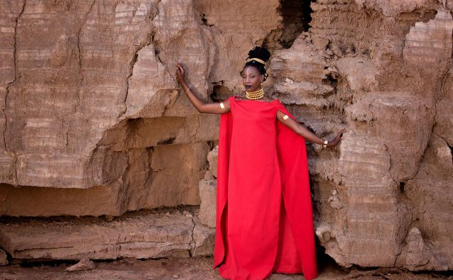 Fatoumata Diawara, nova diva afriške glasbe<br /> FOTO: Aida Muluneh