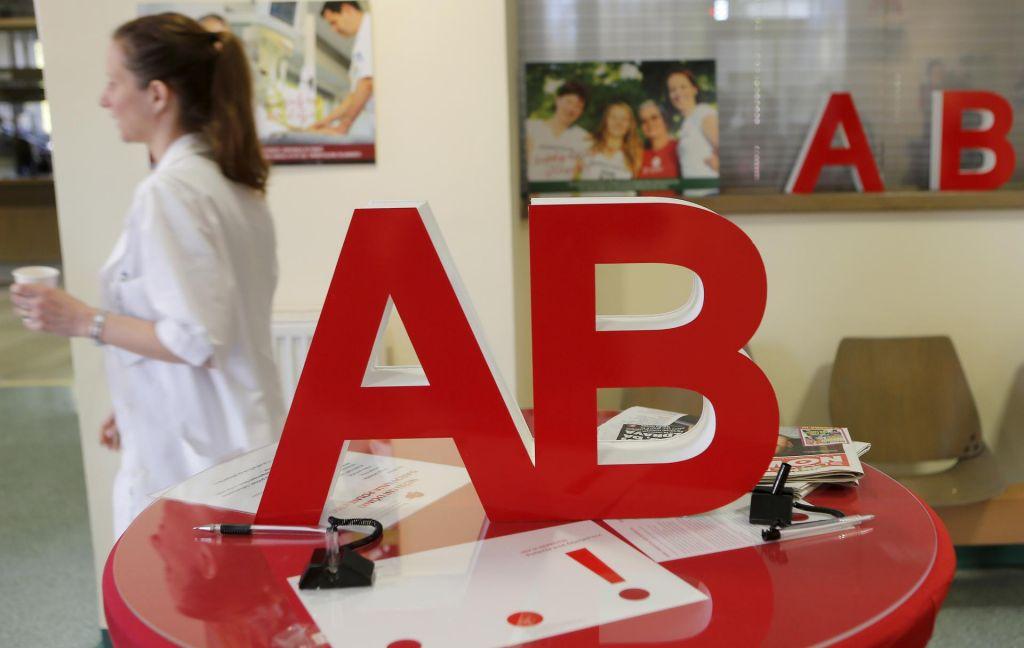 FOTO:Kdo pušča kri zavodu za transfuzijsko medicino?