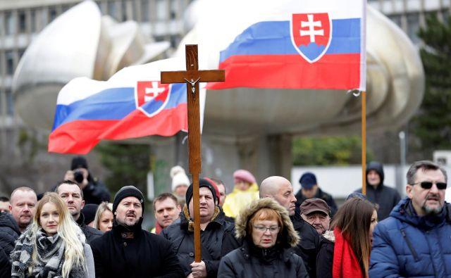 Neonacistična Ljudska stranka – Naša Slovaška, ki jo vodi 42-letni Marian Kotleba, ne skriva sovraštva do Romov, Judov in migrantov. FOTO: Reuters
