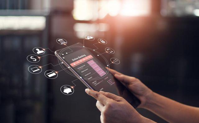Urejanje upravnih zadev na domačem računalniku ali telefonu lahko prihrani veliko časa in živcev, a le, če ne naletimo na tehnične težave. Foto Shutterstock