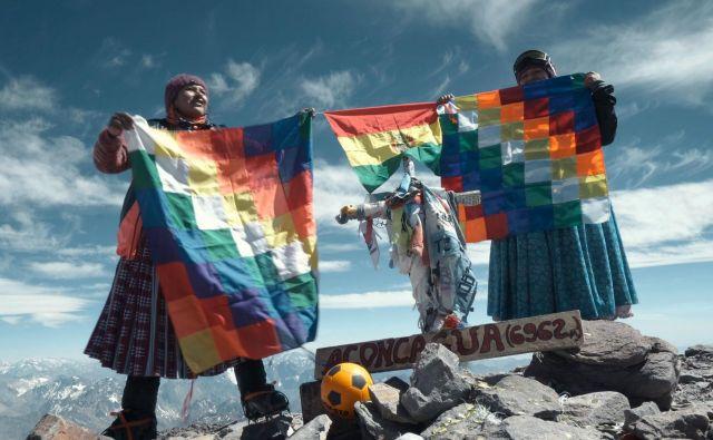 Na vrhu Aconcague, kjer so se Čolite dotaknile neba. FOTO: arhiv festivala gorniškega filma