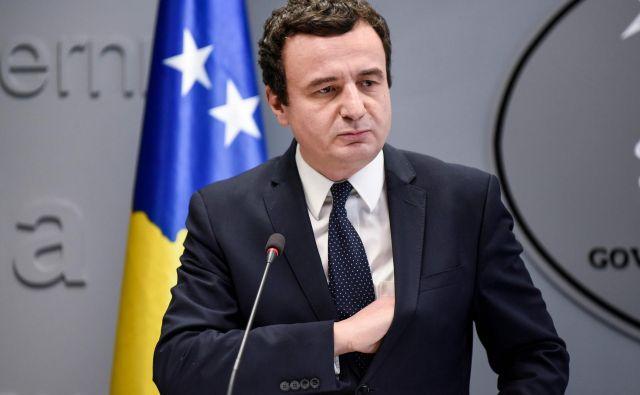Bo premier Kosova Albin Kurti s pogojno odpravo carin pomiril kritike doma in v tujini ali pa jih bo še bolj razburil? Foto Armend Nimani Afp